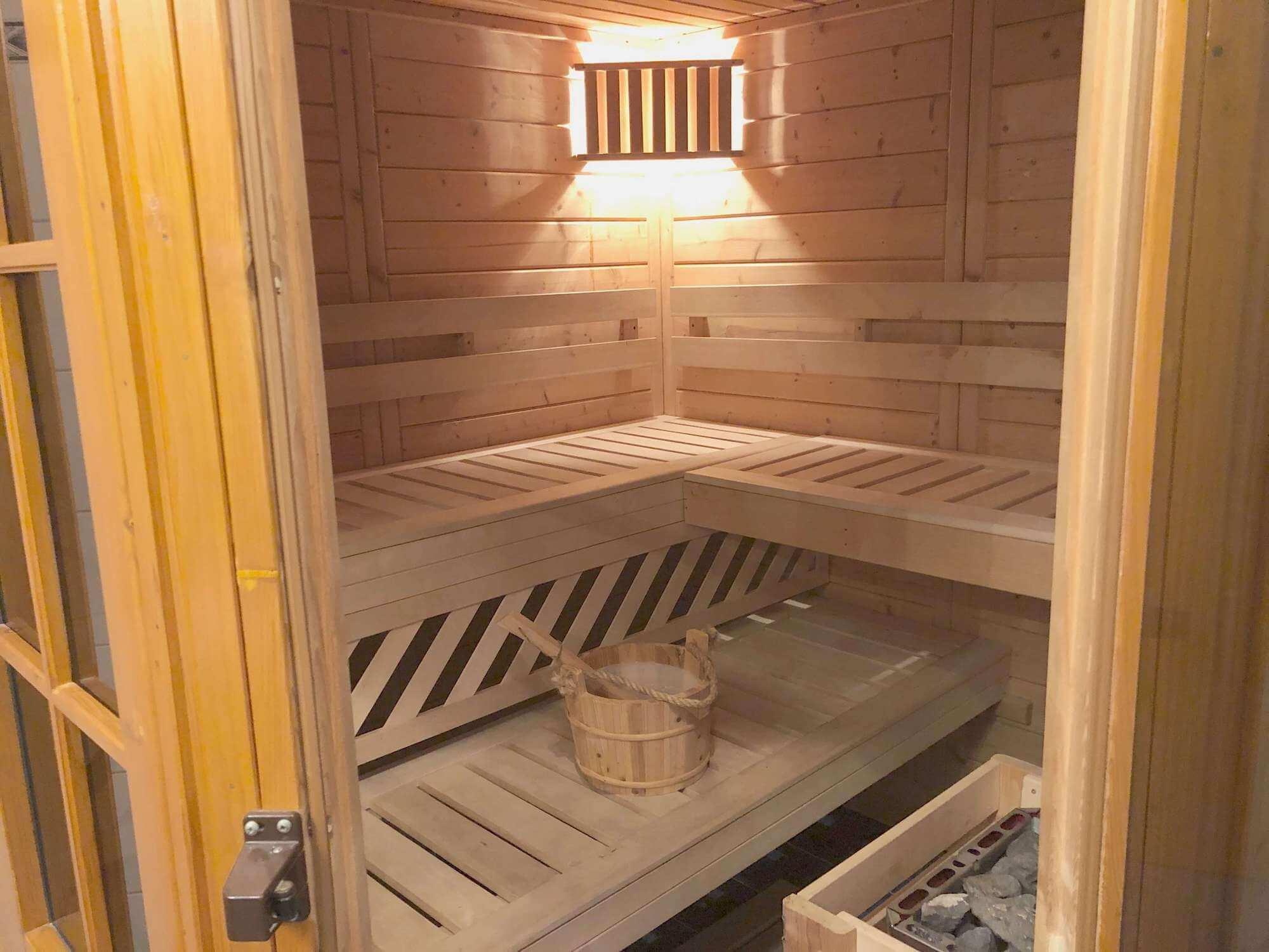 Sauna im Badezimmer integriert
